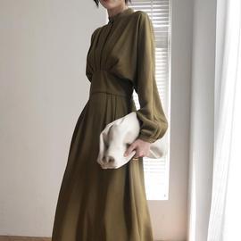 预售法式复古蝙蝠袖收腰气质连衣裙女春装新款显瘦中长款裙子图片
