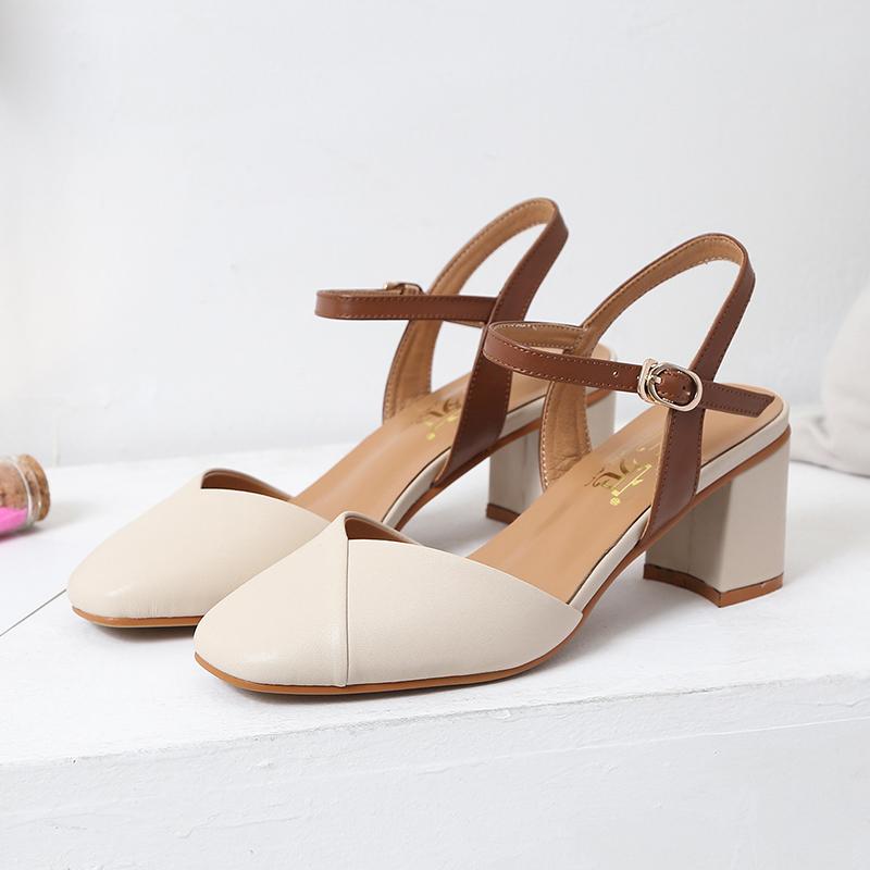 2020夏新款大码女鞋40-43高跟丁字式扣带包头显瘦遮丑凉鞋脚肥宽