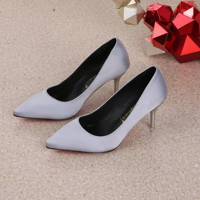 Korean fashion spring and summer 2020 green womens shoes silk satin high-heeled shoes with thin heels and shallow mouth pointed red wedding shoes