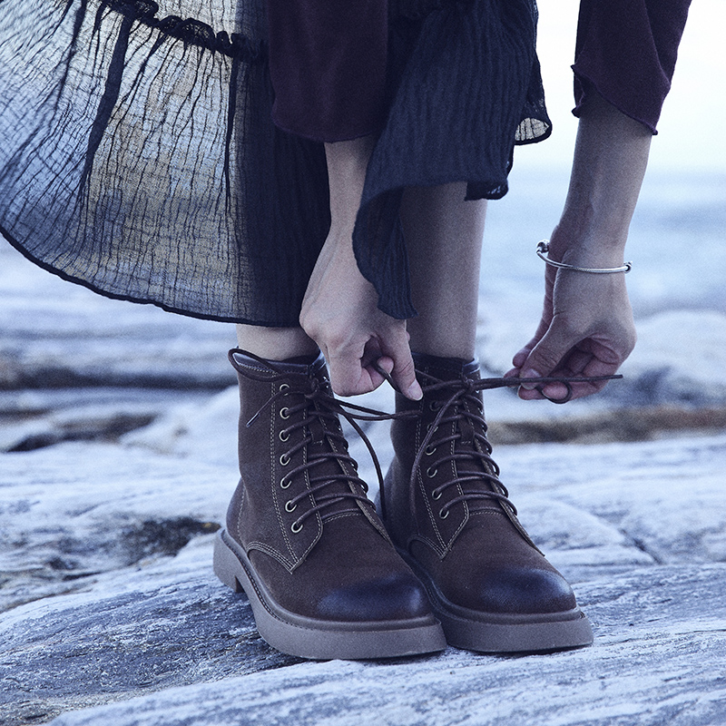 凯蔓莉马丁靴女英伦风2019夏季新款学生百搭网红短靴女粗跟透气冬