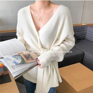現貨秋新款復古純色慵懶風V領系帶長袖套頭針織衫百搭顯瘦毛衣女