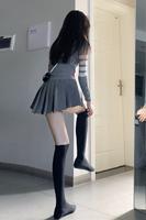 查看enen 百褶裙女秋款性感辣妹超短裙显瘦高腰半身蓬蓬裙防走光伞裙价格