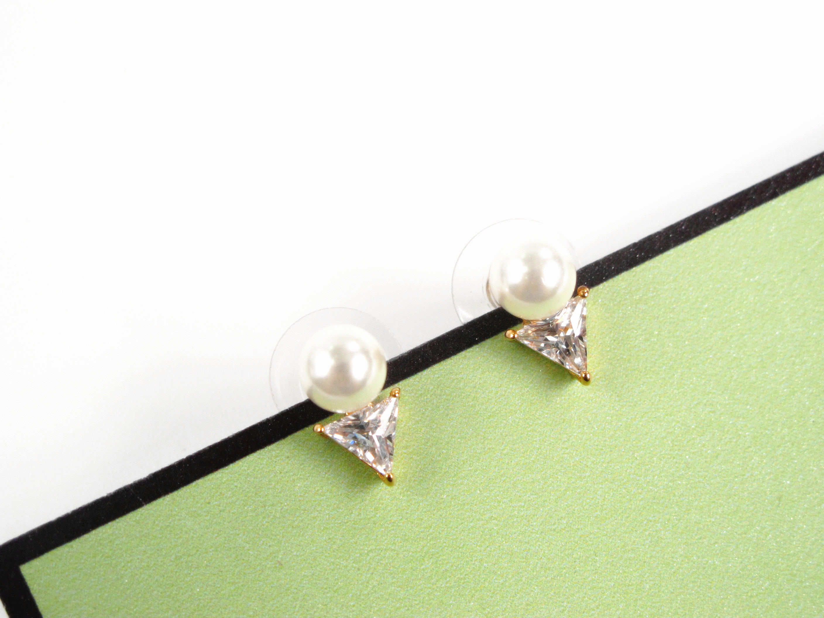 American K family simple small pearl triangle zircon temperament small earring Earrings commuting accessories