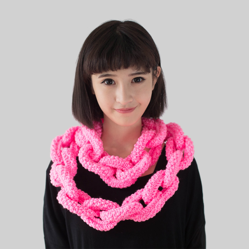 The beard man hand knitted fall and winter long chain wool scarf can be customized for children