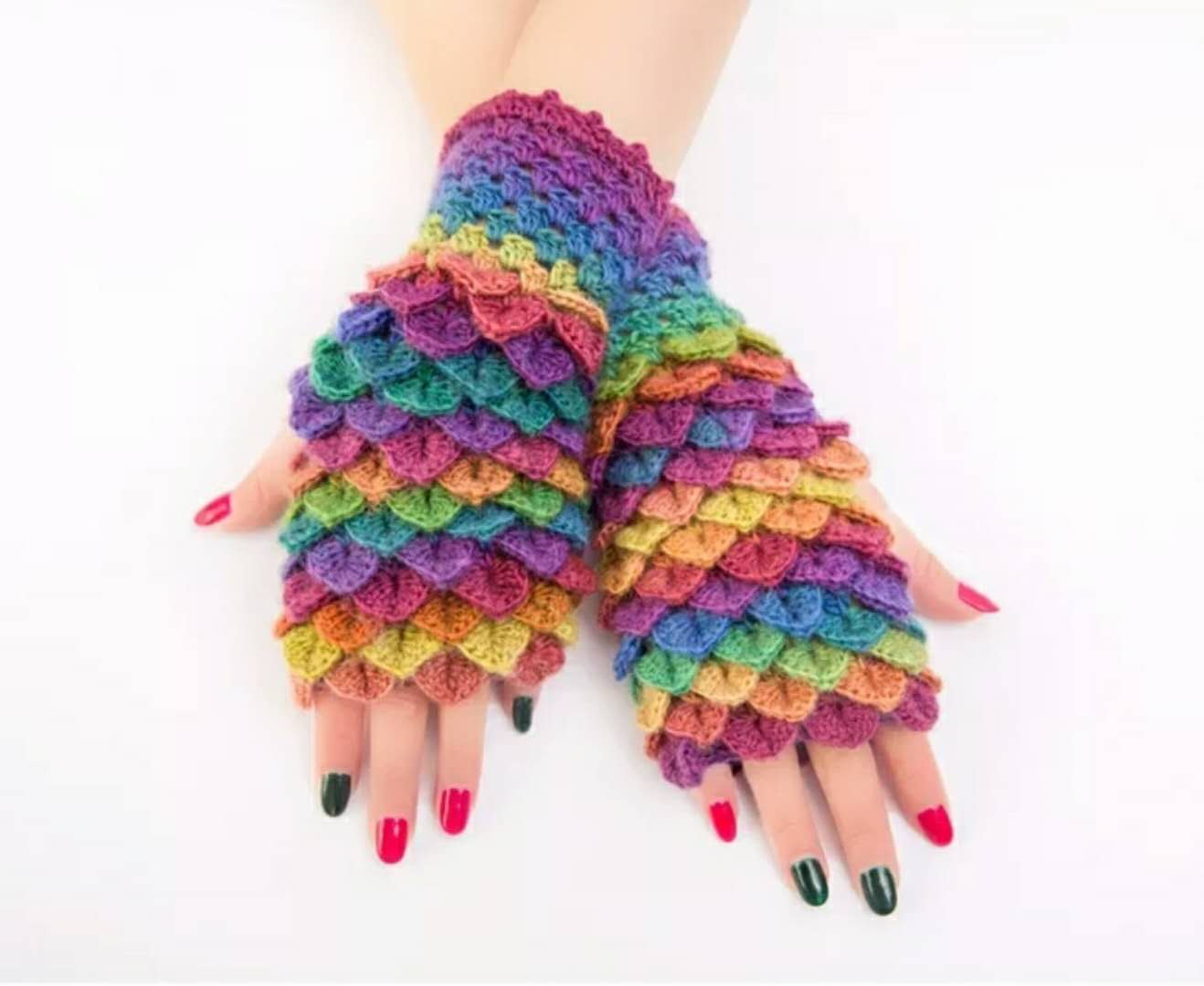 Offer annual hand-made fish scale wool Half Finger Gloves