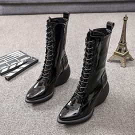 马丁靴女2020秋冬季新款欧美漆皮厚底短靴尖头增高坡跟中筒女靴子