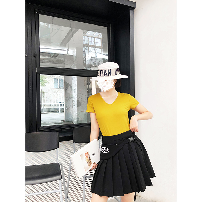 Mengyige solid color T-shirt short sleeve womens 2020 new summer wear short slim foreign style V-neck collarbone T-shirt