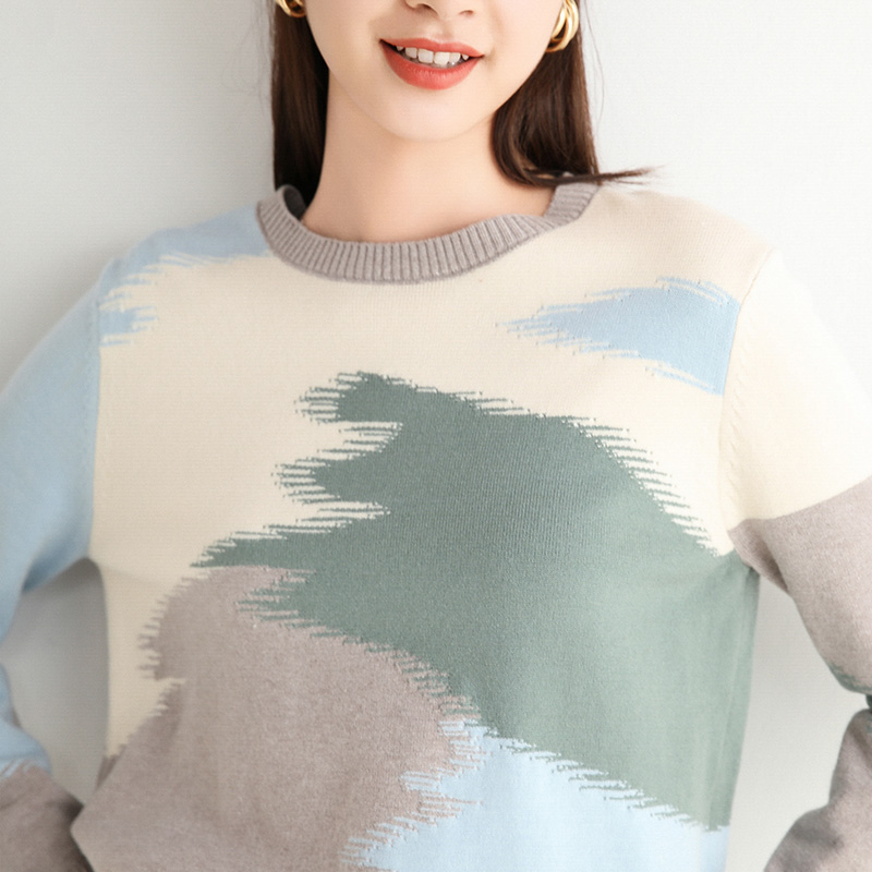 New round neck T-shirt in autumn / winter 2020 womens loose and thin color matching long sleeve with a bottoming sweater