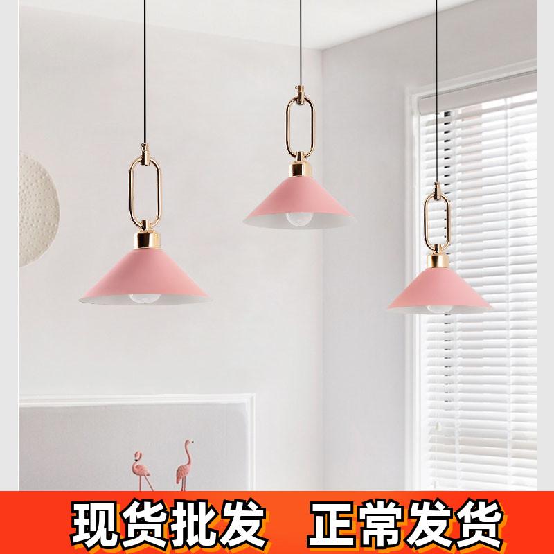 欧餐厅灯三头新款现代简约ins网红吊灯马卡龙灯饭厅吧台餐桌灯具