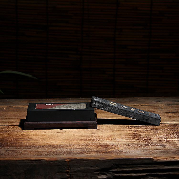 Один обещание сюань железный купорос камень материал мозаика печать камень ручной работы резьба ваш падения модель с черными сандаловое дерево база чернила кровать