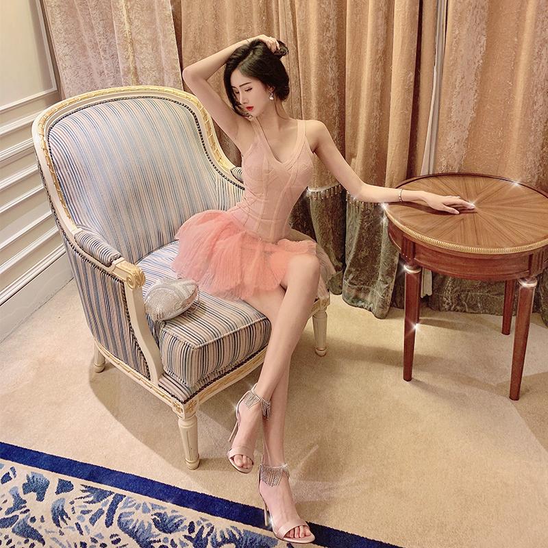 金金酷酷哒性感针织网纱裙子2020新款粉色v领吊带蓬蓬连衣裙女夏