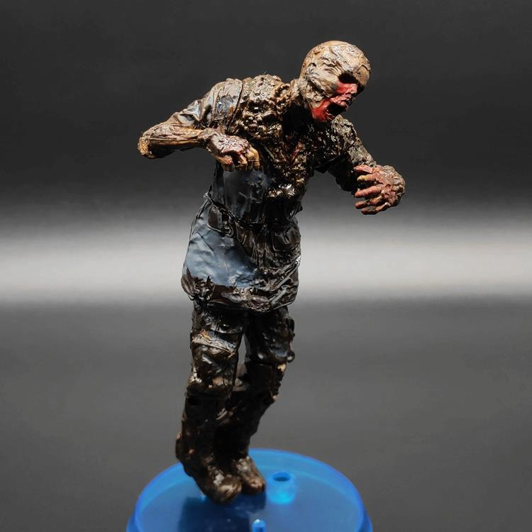 Walking dead biochemical crisis generation 7 mud zombie 5-inch movable doll hand made model ornament McFarlane/