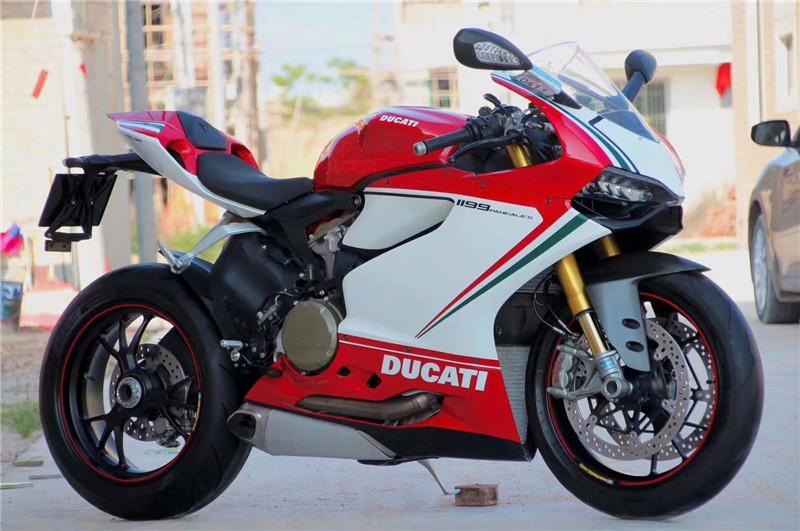 杜卡迪1199跑车雅马哈r1r6公路赛959趴赛摩托车川崎H2R重型机车