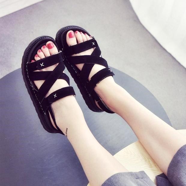 夏天凉鞋女款平底学生简版防滑女鞋有赠品