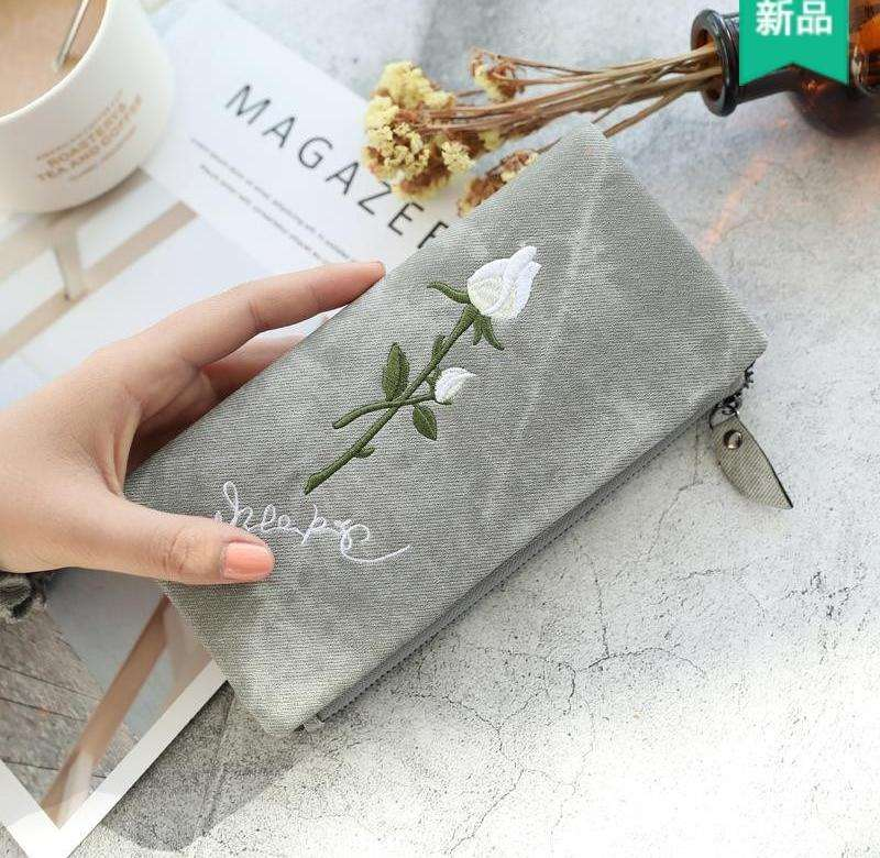 Womens imitation canvas White Rose Embroidery long 2 fold double buckle retro fashion wallet 2018 New Student Wallet