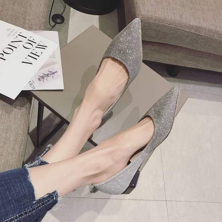 2020 new pointed flat bottom wedding shoes Silver Wedding Bridesmaid Wedding Dress Red bride crystal shoes single shoes large size