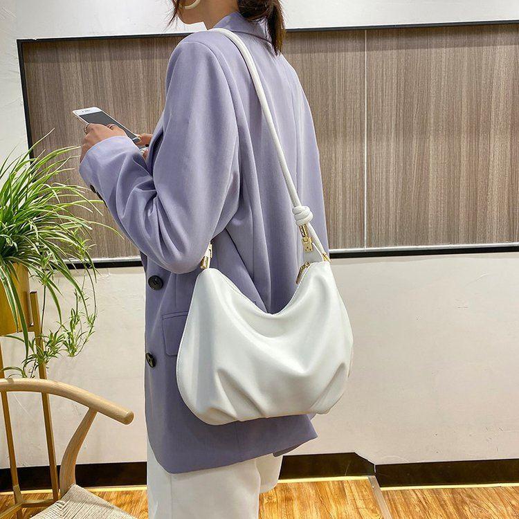 女士斜挎包2021年新款休闲今年流行的包包大容量夏大学生ins小众