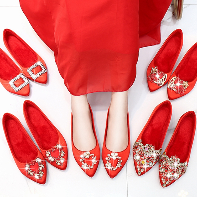 ? Wedding shoes women 2020 new winter bride shoes flat bottom wedding high heel red thick heels pregnant women wedding red shoes show