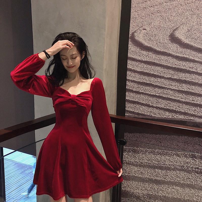 法式蝴蝶结方领长袖丝绒连衣裙女装2020春新款高腰显瘦A字短裙子