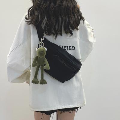网红女2020新款暗黑风帆布潮小包包
