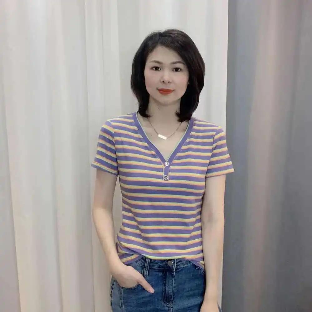 麦上服装店魅力风V领条纹短袖T恤2021夏季新款拼色设计感打底衫女