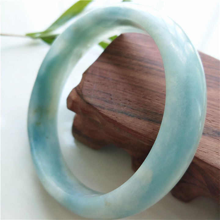 Raw mineral natural Aquamarine Bracelet beautiful girl Aquamarine Bracelet inner diameter 58mm59mm Blue Crystal Bracelet