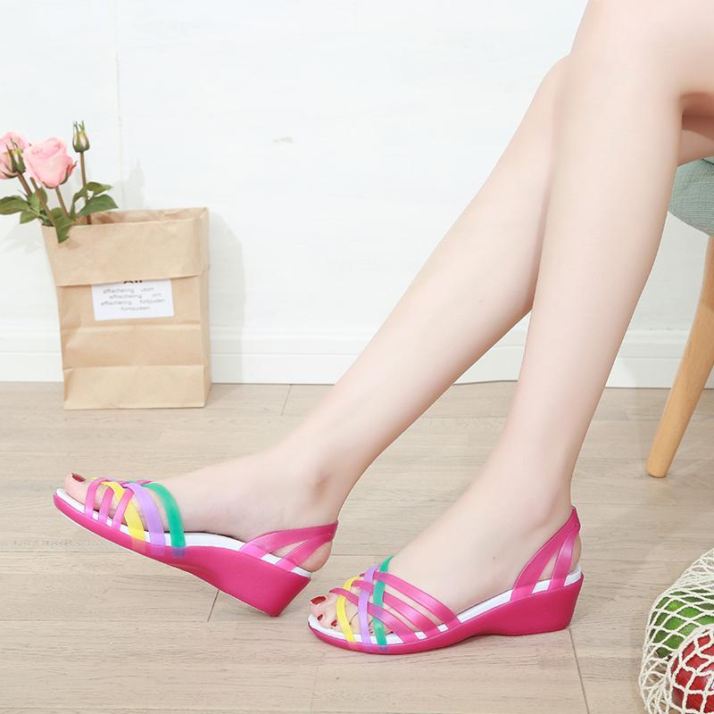 韩国塑料果冻凉鞋女夏妈妈女士厚底坡跟沙滩鞋洞洞鞋防滑平底拖鞋