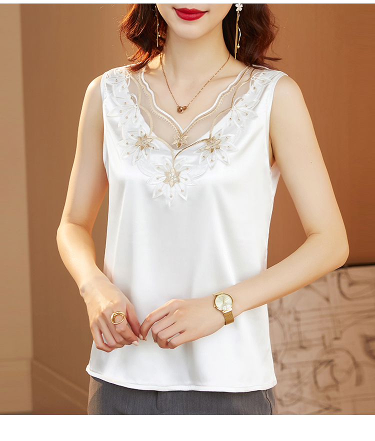 Inside with suspender top backing lace embroidery silk sleeveless vest womens outside with loose silk 2021