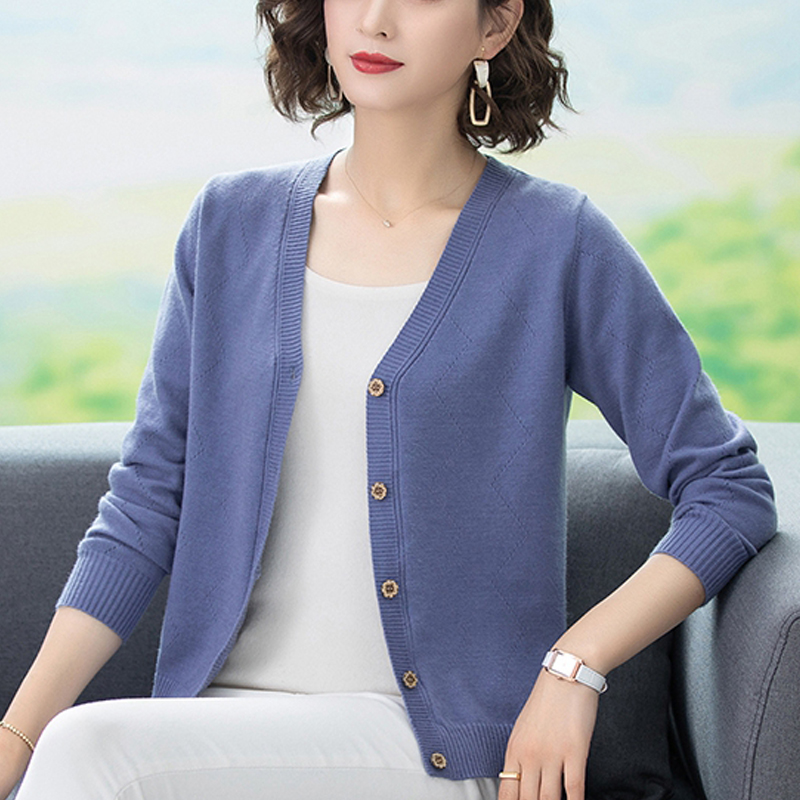 2019 spring and autumn new knitted cardigan womens short style with Korean version loose fat plus plus size fat mm sweater coat