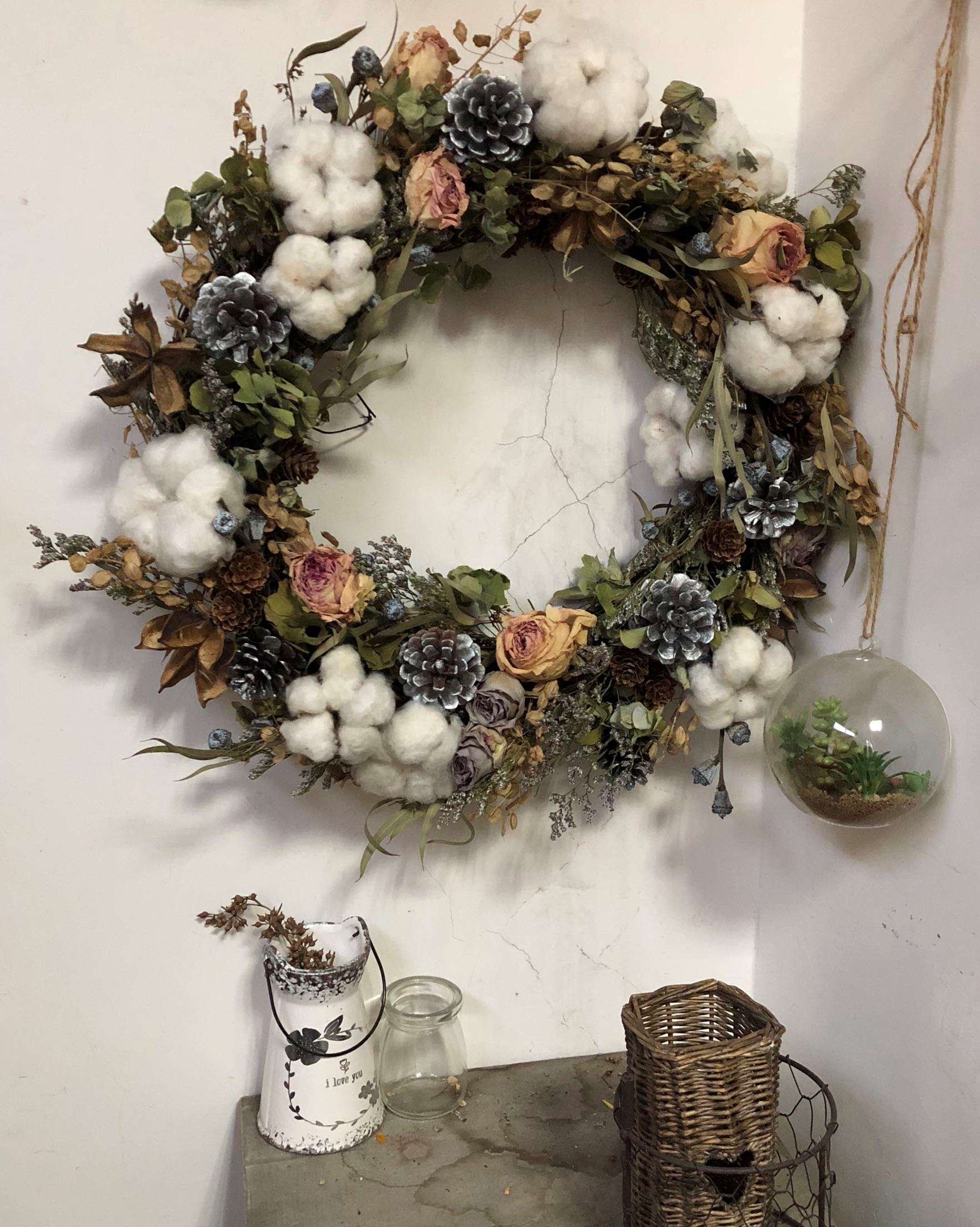 Rural retro pop beauty dry flower cotton rose pinecone Eucalyptus enlarged wreath wall decoration studio shooting background