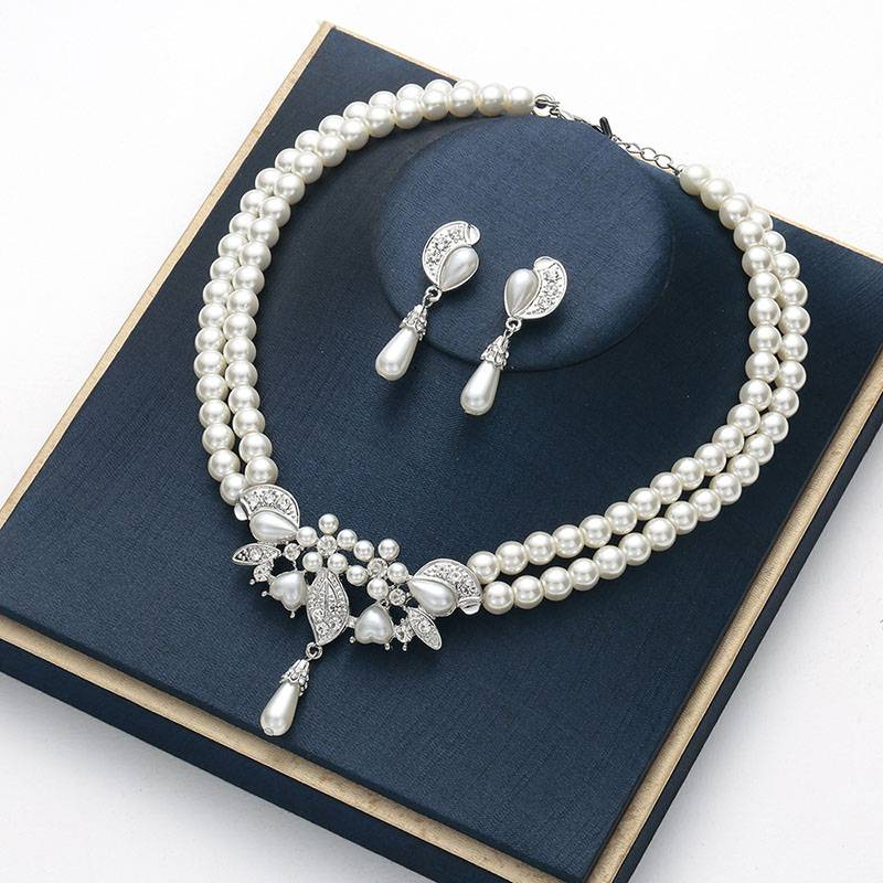 Bridal dress womens Necklace Earring Set chain exquisite simple crystal gem pearl jewelry set clavicle chain