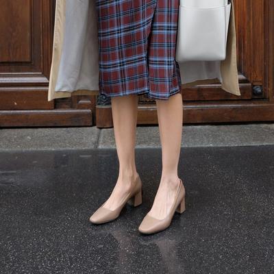 小高跟鞋粗跟2019流行秋冬款ck法式复古单鞋皮鞋女奶奶鞋少女百搭