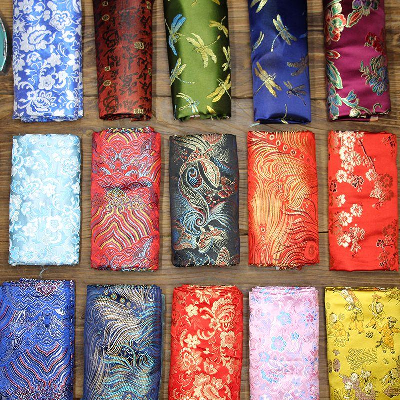 生地の枕は錦の布の緞子の服装のチャイナドレスのサテンを編んで芸術の刺繍のつるつるしたワンピースのシーツを配合します。