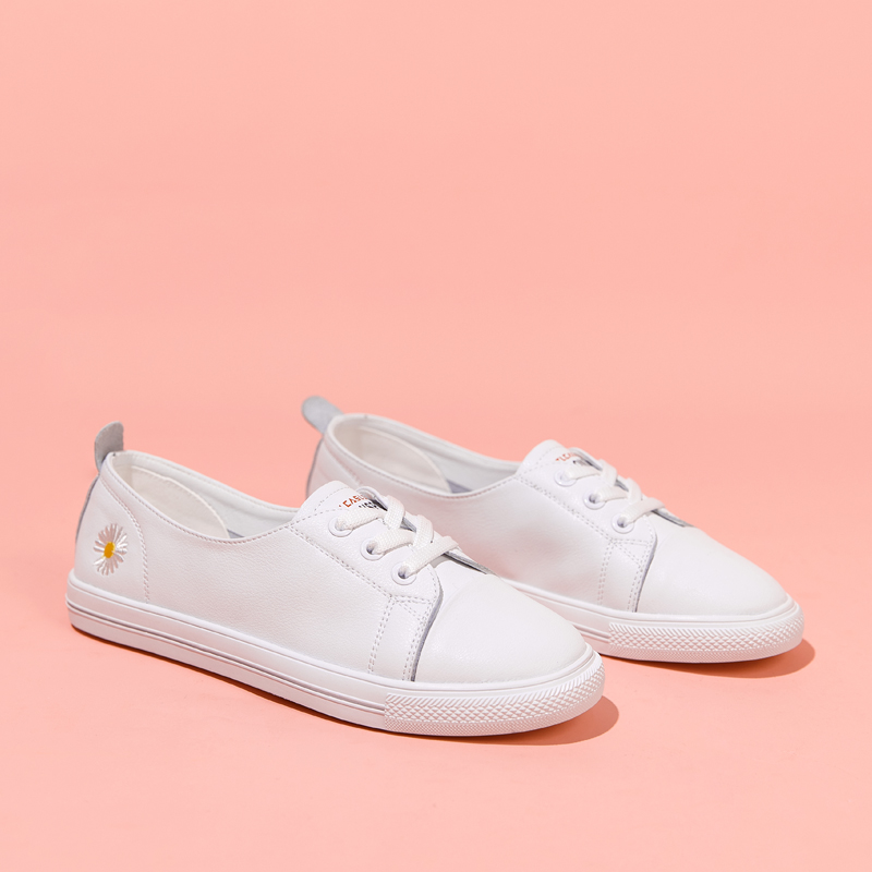 2020 new shallow mouth leather all cowhide Little Daisy white shoes single shoe womens flat bottom summer one foot casual shoes women
