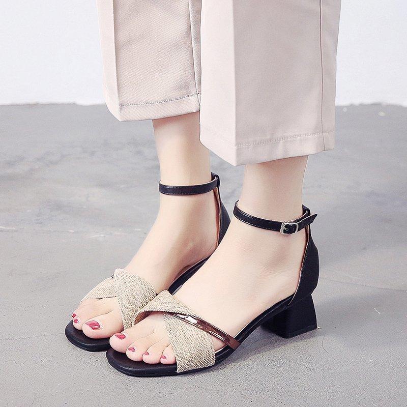 女夏季女鞋凉鞋ins潮女鞋子2021年新款春款百搭一字扣带时装凉鞋