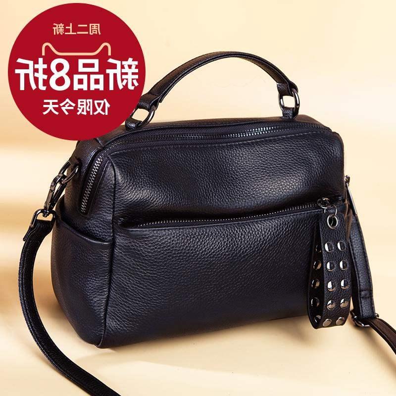 ファッションが人気のボストンの女性バッグ2020新型ファッションは、本革のハンドバッグに似合います。