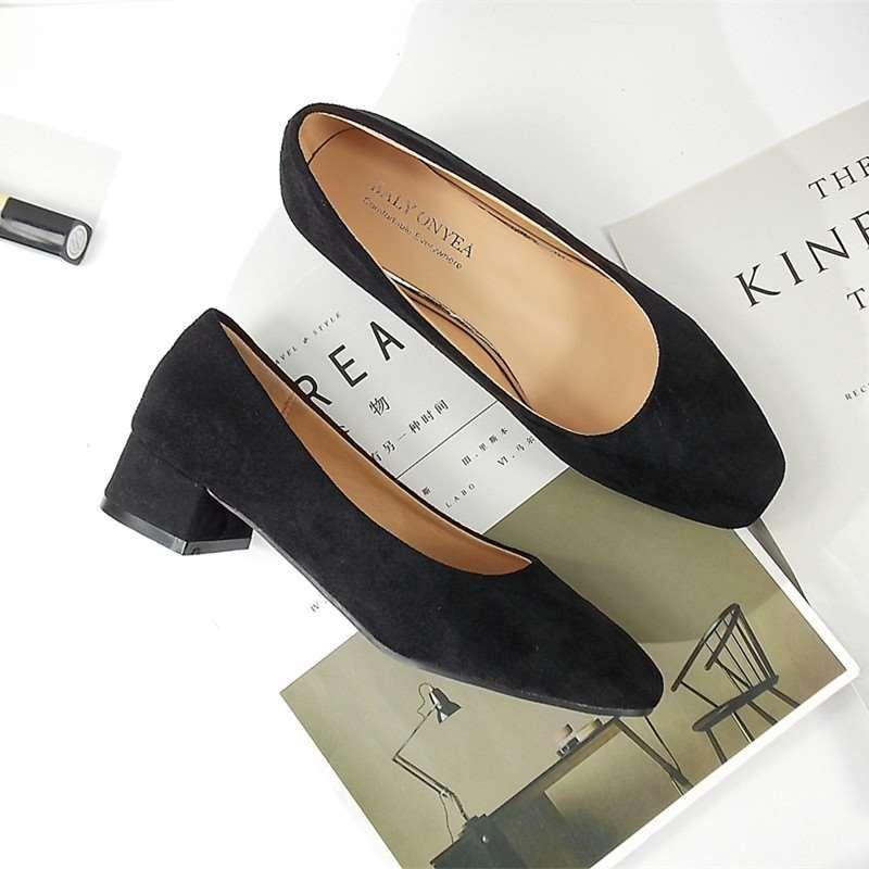 。 Thick heel square head granny shoes womens low heel suede versatile retro single shoes small fresh casual students shoes high heels