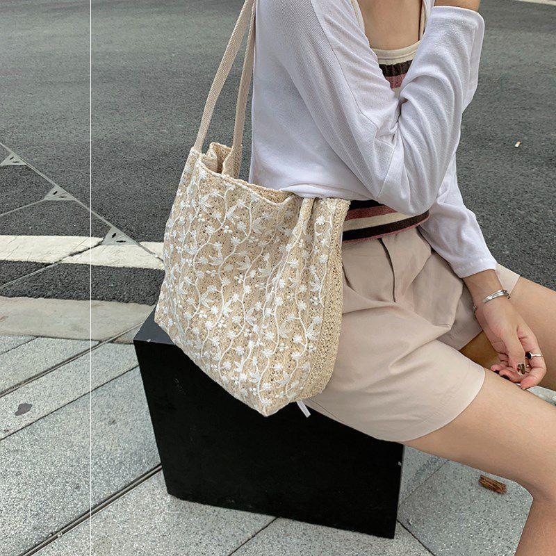 Summer fairy bag 2020 new Korean straw woven lace Shoulder Bag Handbag large capacity bucket shopping bag