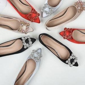 2018春季女单鞋尖头水钻新娘伴娘平底鞋红色40秋鞋41大码42婚鞋43