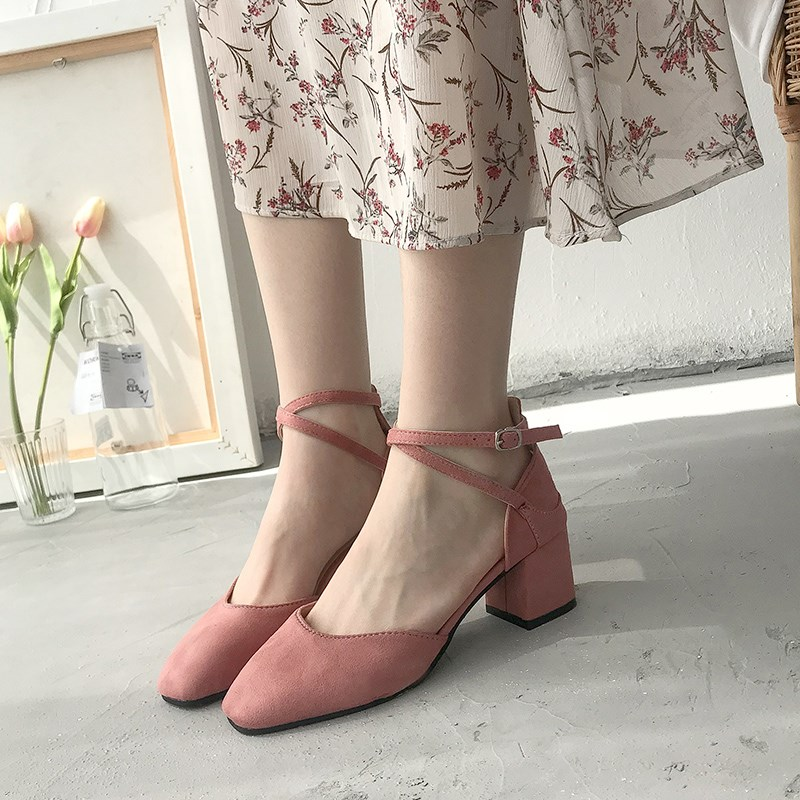 2020 new Korean spring single shoes button thick heel square head covered sandals small fresh net red high heels female