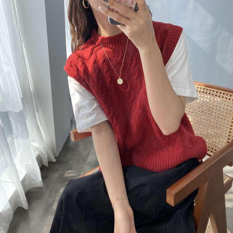 Korean version loose short coarse twist wool vest, retro jacket, fashionable sweater, knitted horse vest, female