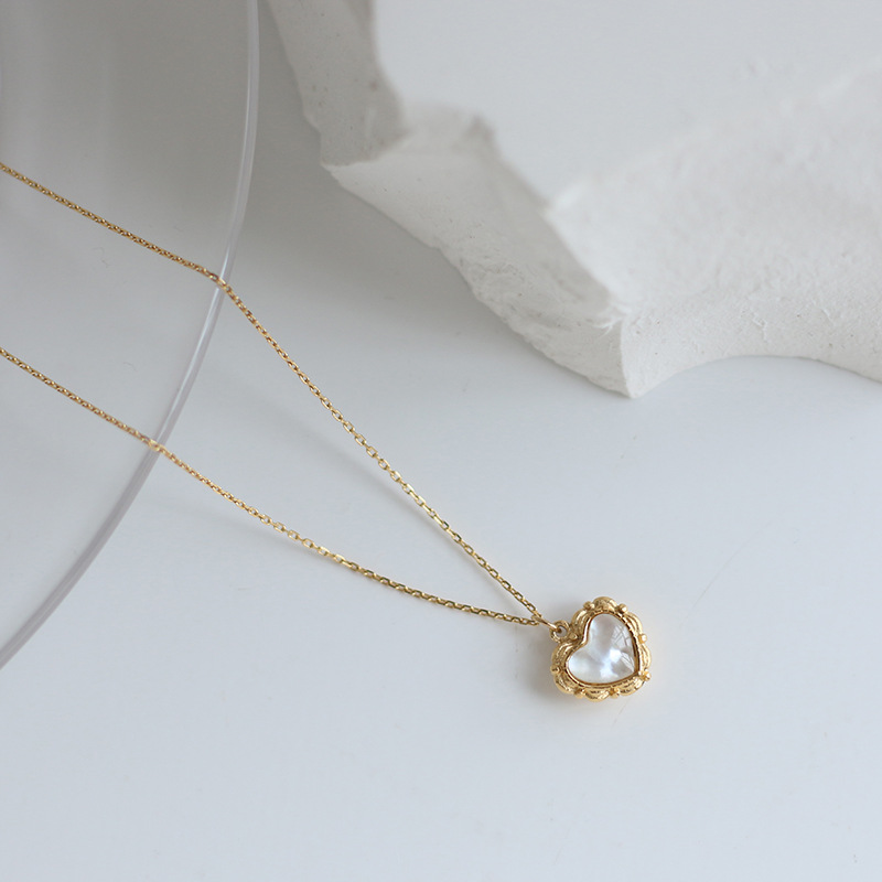 Lolita lovely shell love drop glue casting peach heart retro pattern Necklace clavicle chain summer titanium steel jewelry