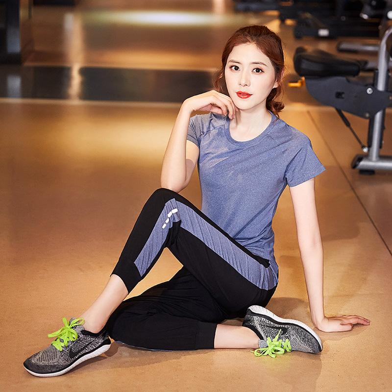 运动休闲套装瑜伽服女夏款跑步健身房网红瑜珈t恤短袖长袖图片