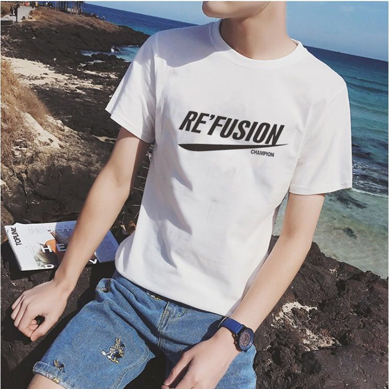 In hot weather, young mens short sleeve T-shirt short sleeve T-shirt