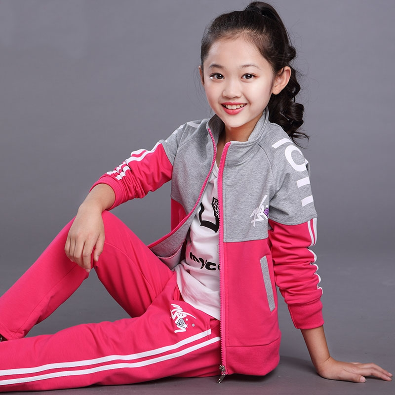 Flagship store 2019 new girls suit spring and autumn 10 10 10 13 middle school girls 14 girls sportswear 12