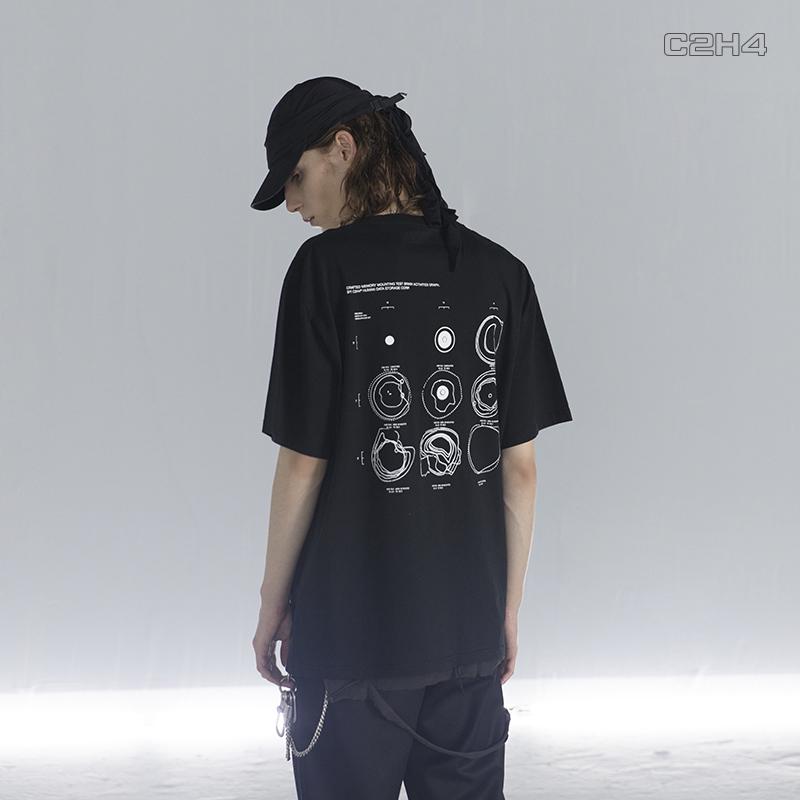 """C2H4#R001 """"Illusion Of Euphoria"""" 印花口袋拼接五分短袖T恤"""