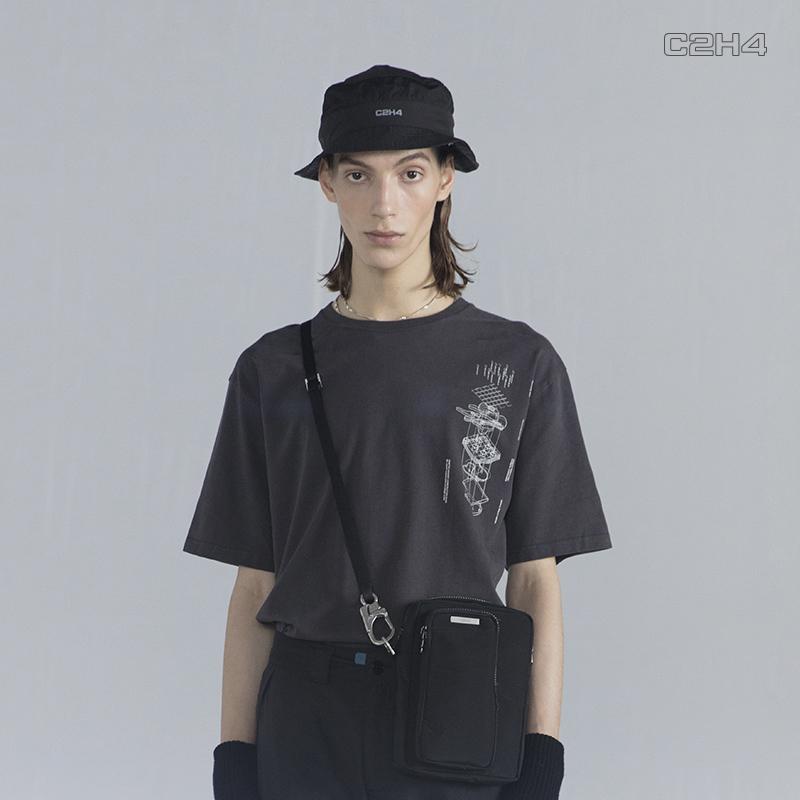 "C2H4#R001 ""Matrix Of Consciousness"" 印花Logo宽松短袖T恤"