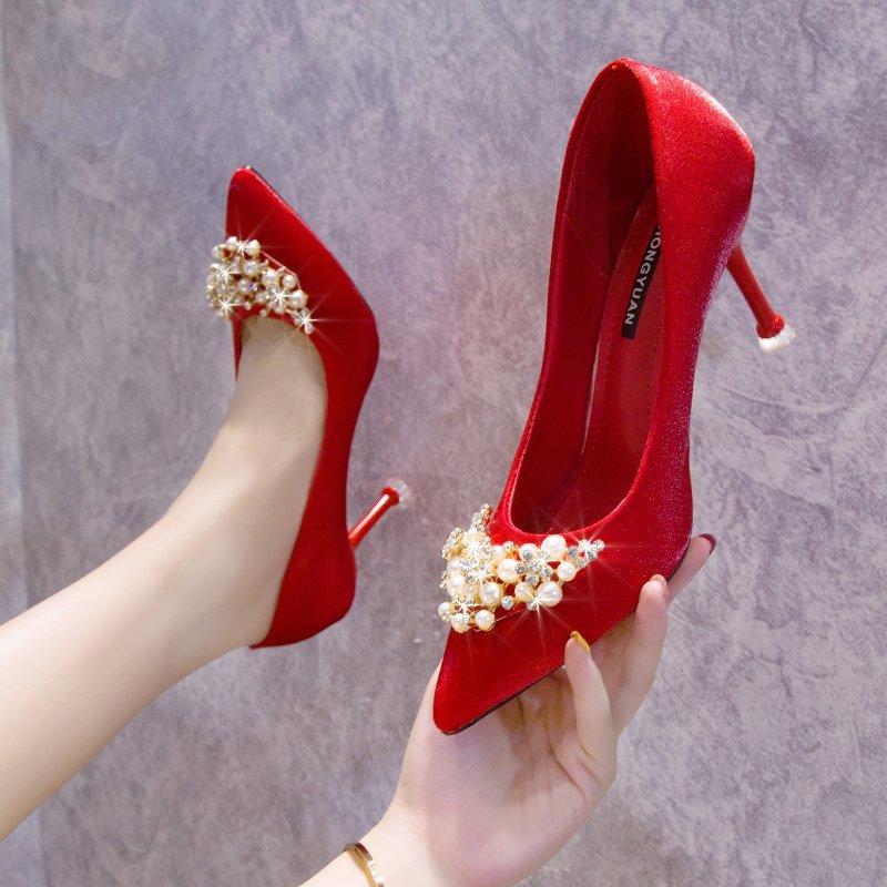 婚鞋2020年新款细跟珍珠丝绸秀禾结婚新娘鞋百搭尖头红色高跟鞋女
