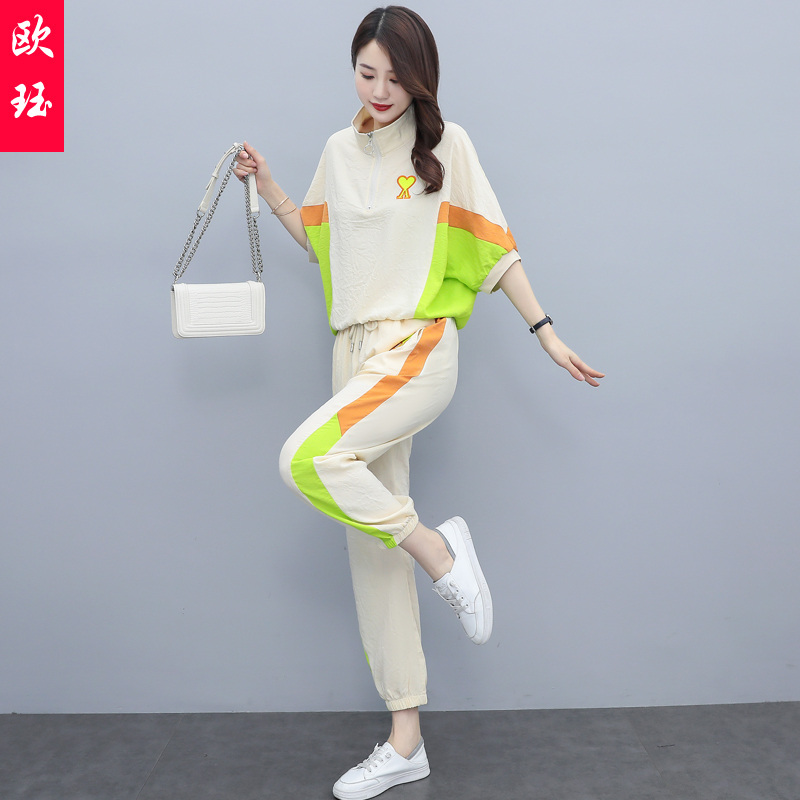 Fashion suit pants womens summer wear 2021 new womens wear age reduction, slim fitting, sports and leisure two piece Leggings suit
