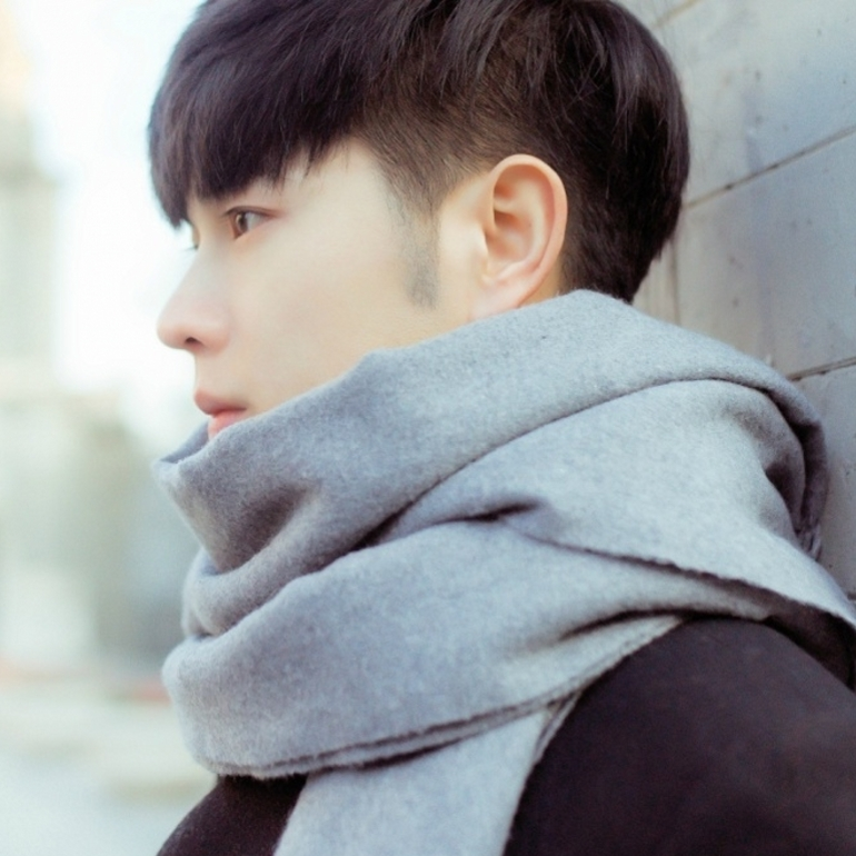 Scarf for men in autumn and winter, Korean version versatile, solid color, warm and thickened, high grade scarf for men, long and large gray for birthday gift
